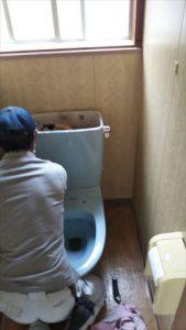 トイレ交換工事換気扇取り付け